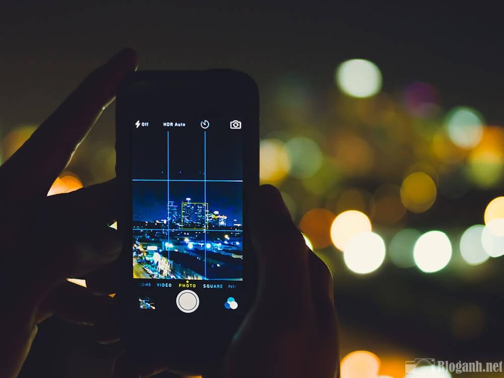 Việc áp dụng quy tắc 1/3 cho bố cục khuôn hình sẽ giúp bức ảnh chụp bằng điện thoại đẹp và ấn tượng hơn