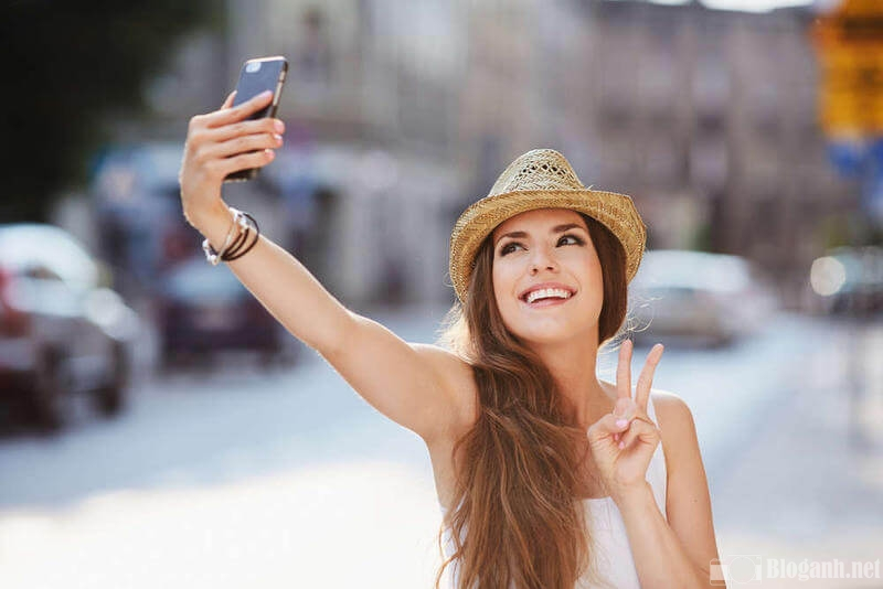 chup-anh-selfie-dep-nho-goc-phu-hop