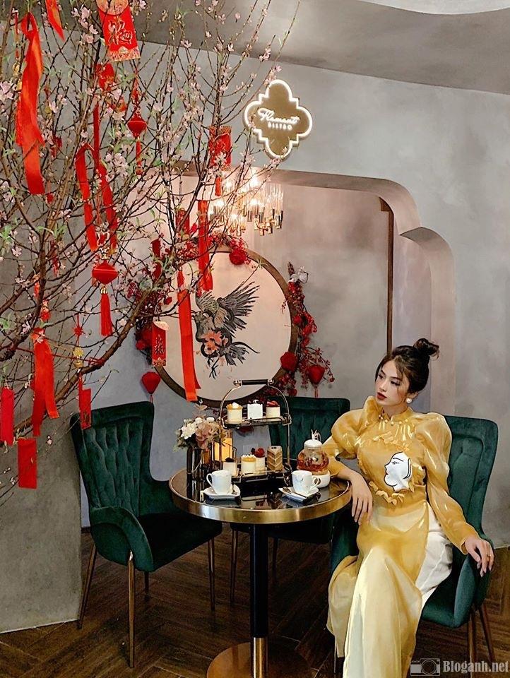 lua-chon-trang-phuc-chup-anh-tai-quan-cafe