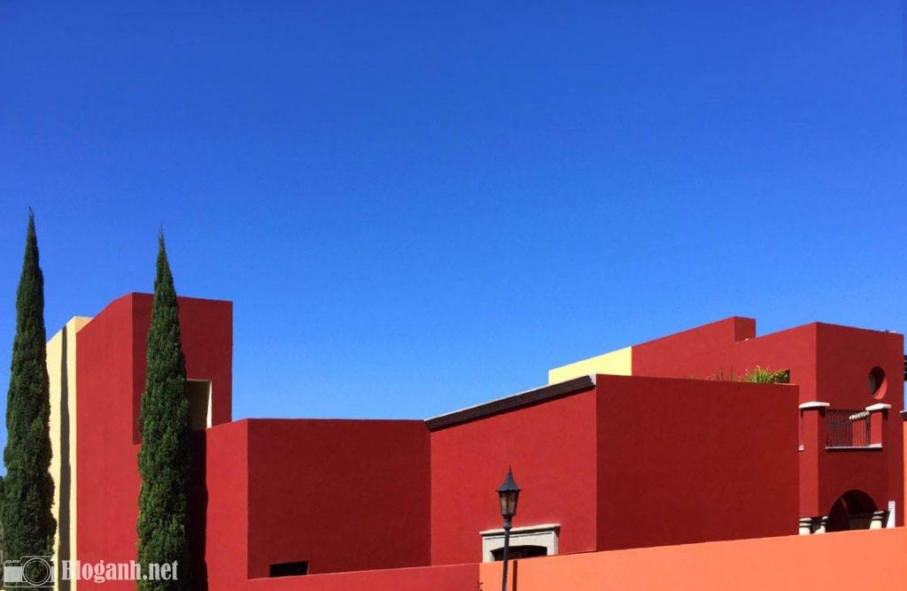 bầu trời, nhà màu đỏ